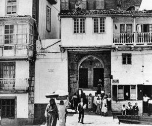 Puestos ambulantes en la Puerta del Puente Viejo durante la II República
