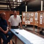Con Jesús Núñez, en la exposición conmemorativa de la reunión familiar en la Casa Núñez. 24 de junio de 2000.