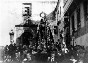 La Soledad de la iglesia de Santo Domingo, a principios del siglo XX. Foto: Antonio Núñez Diaz. Archivo del autor.
