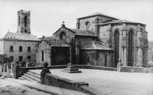 Betanzos. Convento de San Francisco y plazuela de Santa María. Foto: Gabín