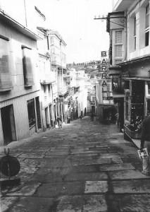 La Calle de doña Mencia, actual de los Plateros, en los años sesenta del pasado siglo