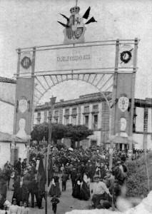 Arco triunfal para recibir a Alfonso XIII. Archivo del autor.
