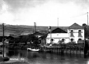 Colección Foster del archivo del autor. En mayo de 1932, estaba en construcción el embarcadero de industrias Núñez y Cia., actualmente propiedad de Fenosa.