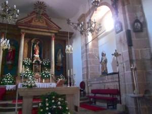 Tumba de los señores de Montecelo del lado de la Epístola de la Capilla Mayor, igual a la situada enfrente. Foto del autor.