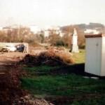 Construcción del campo de fútbol sobre el Estanque.