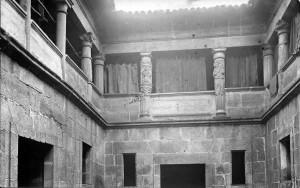 Claustro de la Anunciación. Foto Martínez Santiso, 1932. Archivo del autor.
