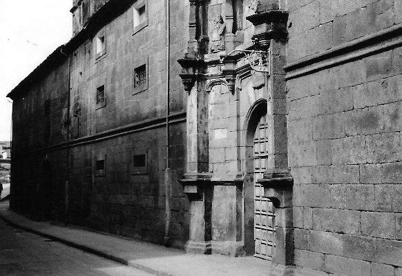 Fachada del convento en 1965. Archivo del autor.