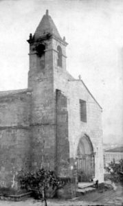 Fachada de la Iglesia de Santiago en 1899. Foto F.J. Martínez Santiso. Archivo del autor.